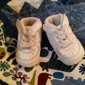 Nike Shoes - 🌻👋Baby 'Force 1' Sneakers🌻💛